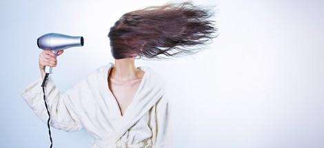 Nemaskujte vlasy pod čepicí, stačí vhodná péče