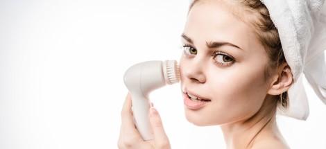 Čistící kartáček na obličej: je vhodný i pro vás?