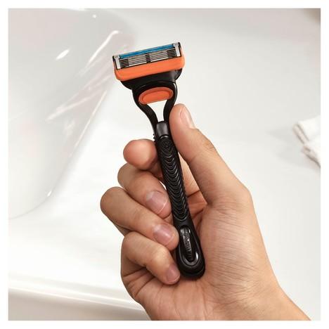 Gillette Fusion 5 holicí strojek + 11 hlavic