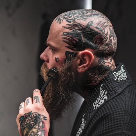 Angry Beards Beard roller & Tool Cleaner nářadí na růst vousů